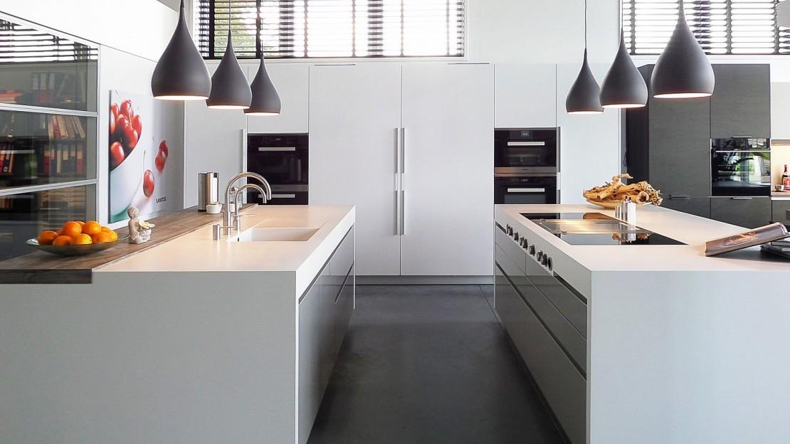 santos keuken met corian werkblad en bora professional. Black Bedroom Furniture Sets. Home Design Ideas